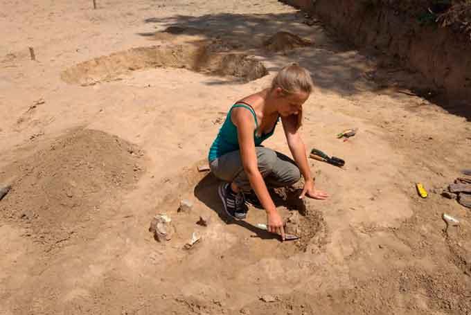У Трахтемирові археологи розкопали поховання жінки-сарматки (фото)
