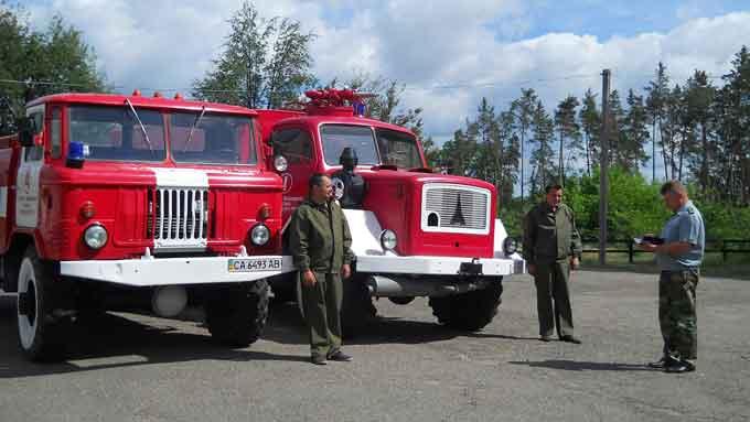 У Яснозірському лісництві є діюча німецька пожежна машина 1962 року випуску (фото)
