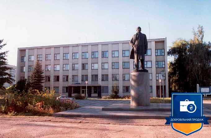 У Лисянці за 147 тис грн продали Леніна, покупець може заробити до півмільйона
