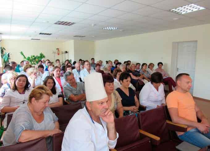 Колектив Тальнівської ЦРЛ обговорив питання створення Центру первинної медико-санітарної допомоги