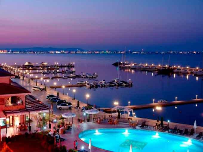 Студенти ЧДТУ проводять літо на кращих курортах Європи