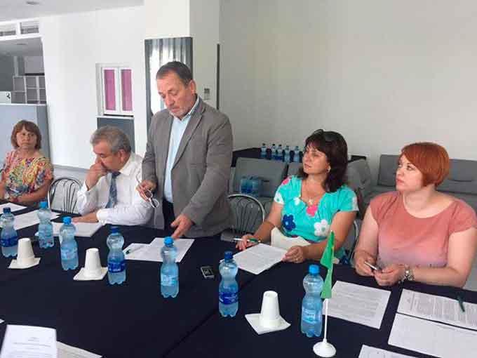 У Каневі за круглим столом обговорили пластикове забруднення довкілля в Україні