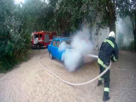 В Черкасах та Золотоноші горіли автомобілі (відео)