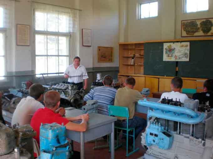 Безробітні здобули нові професії в Канівському ВПУ