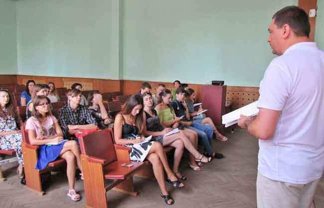 Київські студенти вчилися керувати Каневом