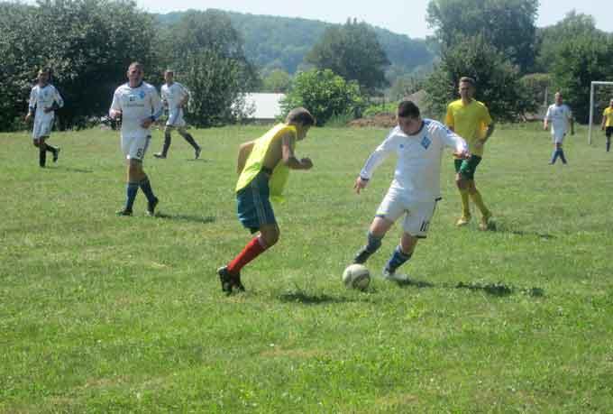 ФК «Росава» лідирує у Чемпіонаті Канівського району з футболу