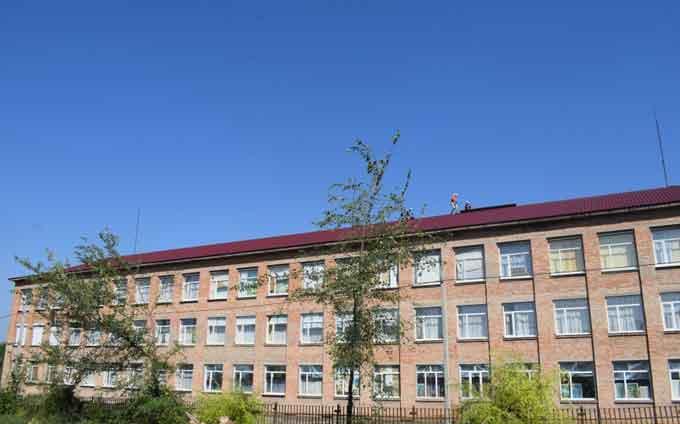 Завершуються ремонтні роботи по заміні покрівлі Бабанської школи