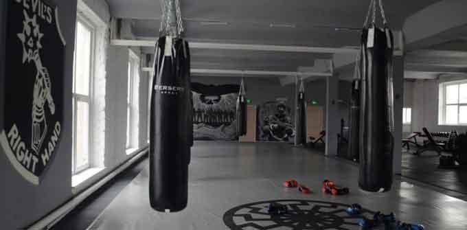 Лідер черкаського «Нацкорпусу» продемонстрував комплекс вправ для покращення фізичної форми (відео)