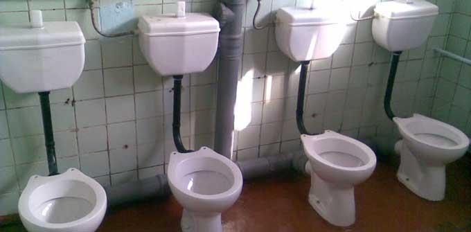 Туалетний бізнес секретаря міськради: в середмісті Черкас замість туалету буде бургерна (відео)
