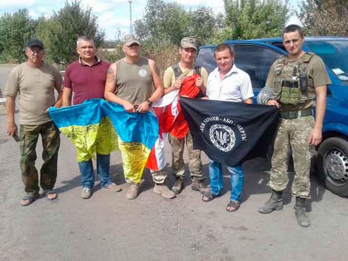 Голова районної ради та волонтери Драбівщини відвідали захисників України (фото)