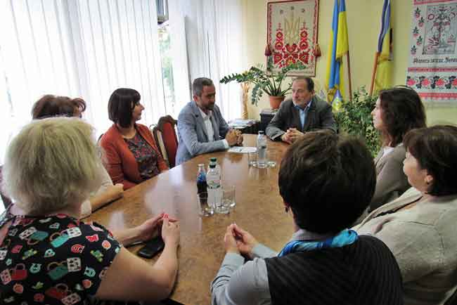 Канів планує зав'язати партнерські стосунки із духовною столицею Вірменії - містом Ечміадзін
