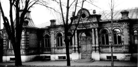Святотроїцька церква, на місці сучасного Пагорбу Слави