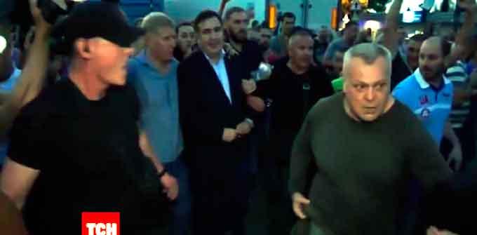 Відсторонений Смілянський міський голова Олексій Цибко зустрічав на кордоні Міхо Саакашвілі (відео)