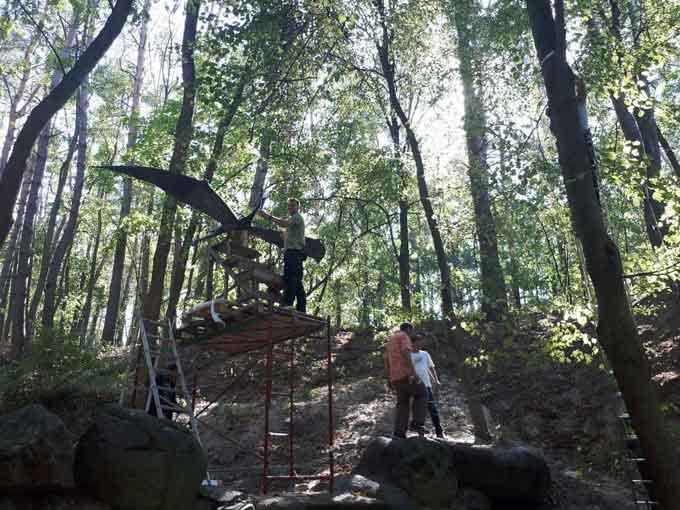 У Черкасах парк «Сосновий бір» поповнився новими фігурами (фото)
