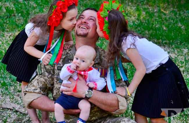 У Каневі оголосили міський фотоконкурс «Мій батько – захисник України»