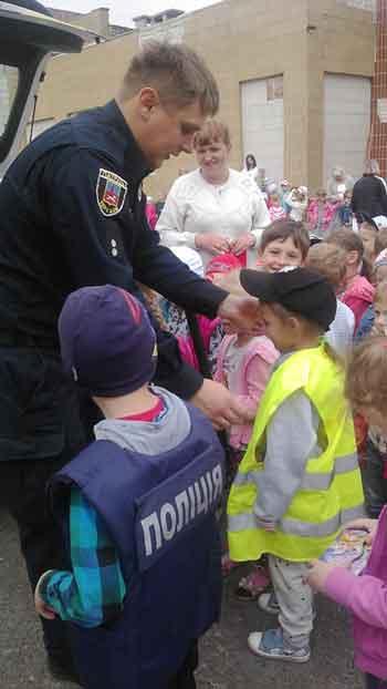 Черкаські дошкільнята вивчали правила дорожнього руху