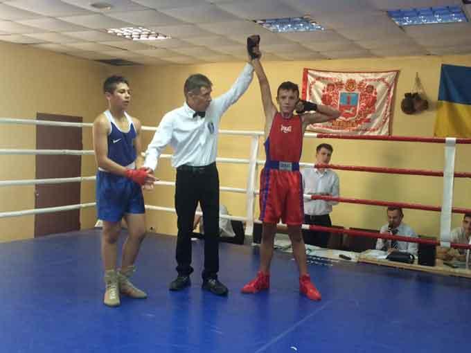Новими перемогами відзначилися уманські боксери
