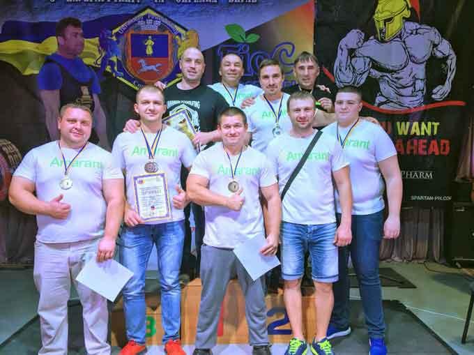 17 золотих медалей здобули уманчани на Відкритому чемпіонаті по пауерліфтингу і окремим вправам