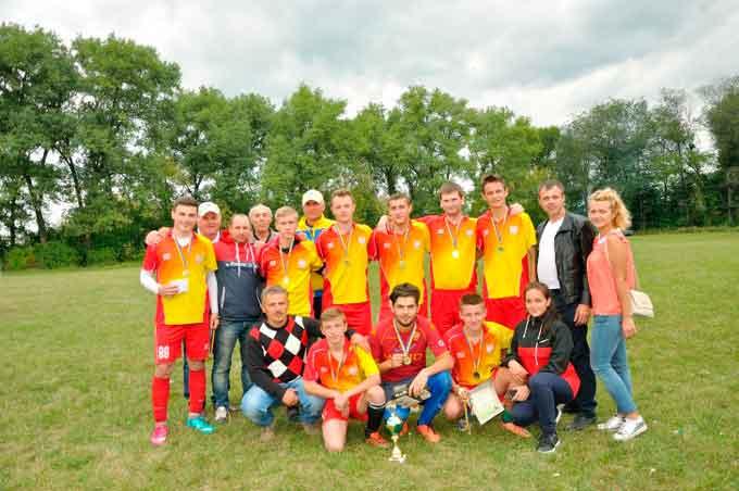 На Драбівщині у І турі з міні-футболу «Кубок миру» перемогла команда з Білоусівки