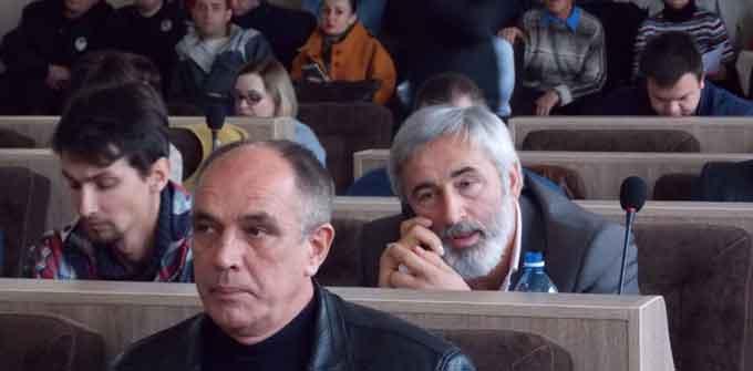Відвертий саботаж: «антимерівська коаліція» на чолі із секретарем міськради намагалася зірвати сесію (відео)