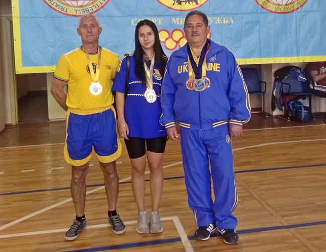 Канівські спортсмени завоювали золоті медалі на всесвітній олімпіаді із гирьового триатлону