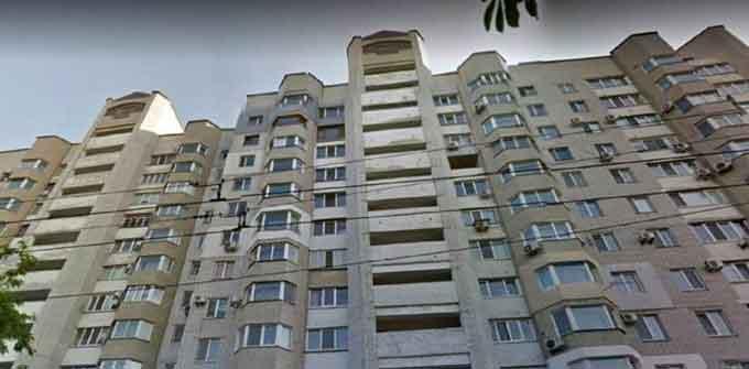 Мешканці черкаської багатоповерхівки мерзнуть через борги попередників (відео)