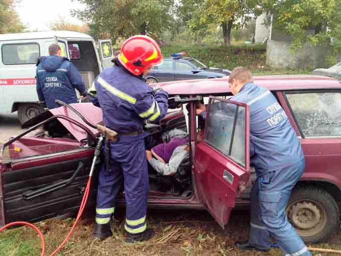 На Черкащині рятувальники ліквідували наслідки двох ДТП (фото)