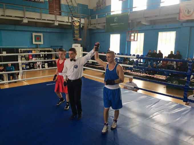 Уманчанин здобув перемогу на чемпіонаті України з боксу