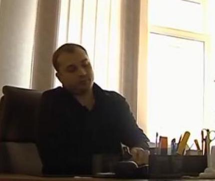У всій цій судовій тяганині нотаріус Черкаської районної державної нотаріальної контори Дмитренко Дмитро Миколайович пройшов лише як свідок.