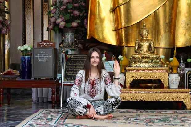 Лідії Білик 21 рік. Вона почала працювати моделлю у Бангкоці. Він став першою сторінкою в її підкоренні Азії. Після Тайланду дівчина працювала в Китаї, Тайвані, Південній Кореї та Туреччині