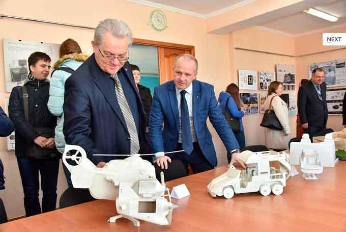 25 жовтня у Черкаському державному технологічному університеті відбулося відкриття виставки дизайн-проектів студентів та викладачів кафедри дизайну спеціалізації «Промисловий дизайн»