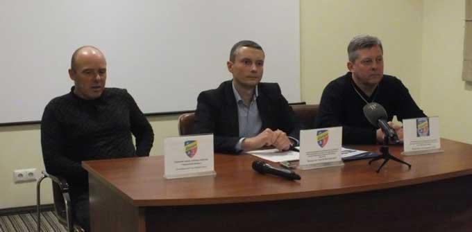 Просили гроші – отримали рибу: «Черкаський Дніпро» переживає кризу (відео)