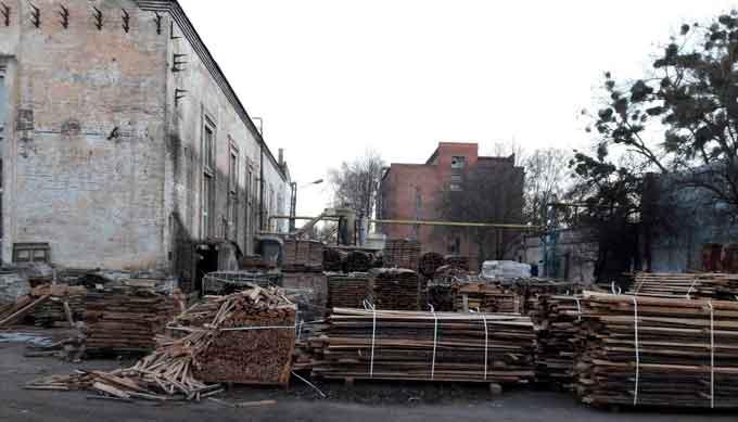 На Черкащині працівники податкової міліції припинили роботу підпільного деревообробного цеху