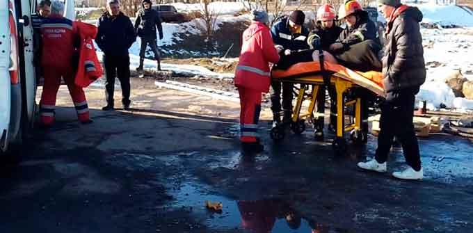 У Смілі каналізаційним газом отруїлися працівники ТОВ «Агро Рось» (відео)