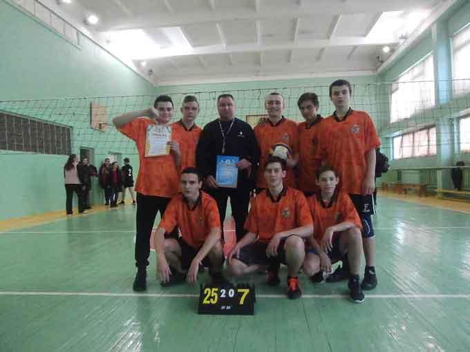 Уманські юнаки перемогли у змаганнях з волейболу