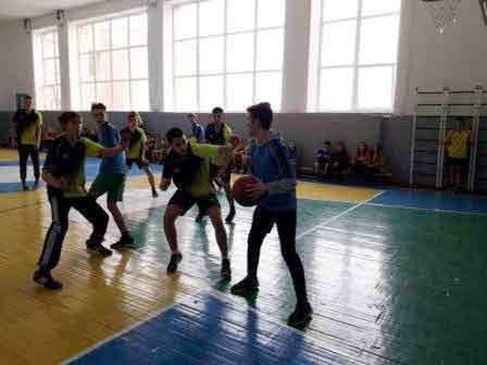 У Монастирищі відбулися районні змагання з баскетболу