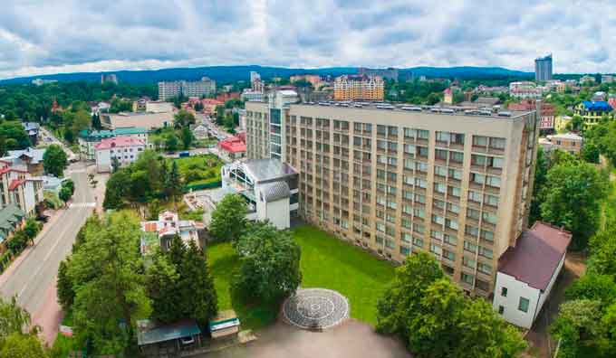 Трускавец - популярный оздоровительный курорт, расположенный в Львовской области Украины.