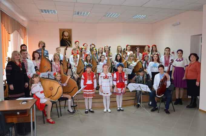 На Чорнобаївщині проведено переатестацію колективів, які носять звання «народний»