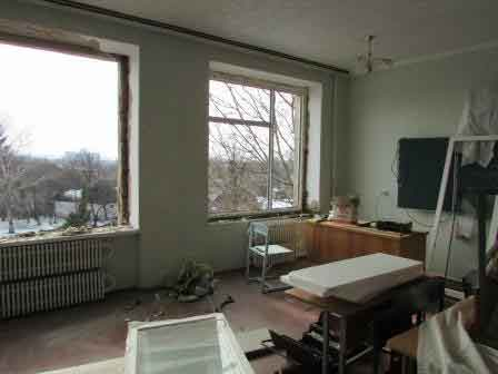 У школах Шполи продовжується заміна вікон