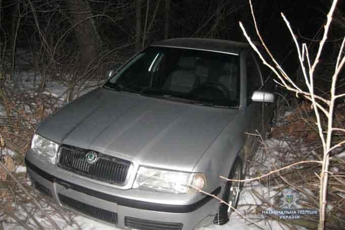 На Уманщині поліцейські затримали крадіїв автомобіля (фото)