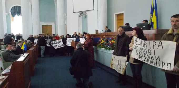 Бунт агробаронів Черкащини. Депутати облради вимагають відставки голови Держгеокадастру (відео)