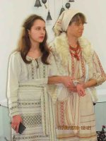 Виставка творчої родини Анжели Драч, Іоанни Кізян і Олександра Кізяна відкрилася у Черкасах (фото)