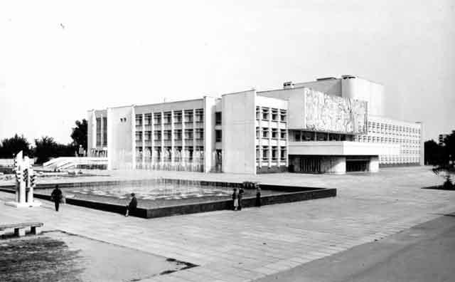 Площа «Дружба народів», Черкаси, старе фото