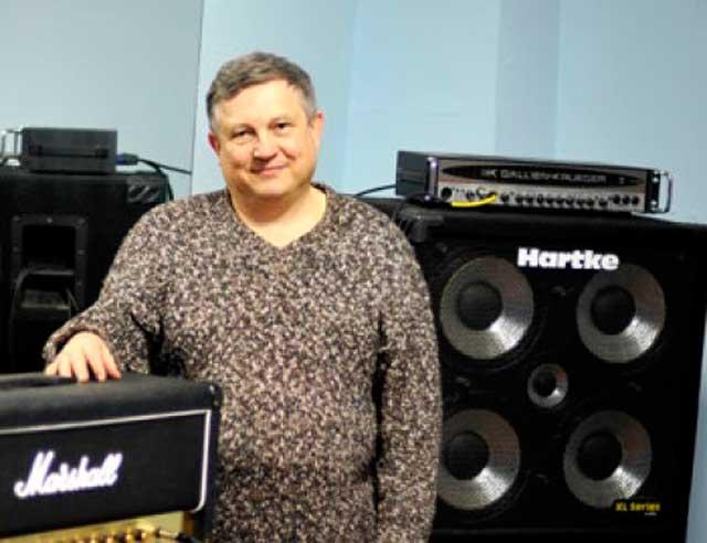 Черкаський лікар об'єднує рок-музикантів