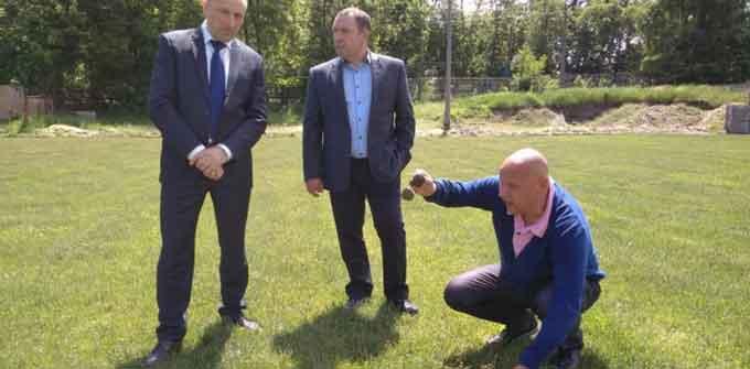У Черкасах зірвано реконструкцію запасного футбольного поля (відео)