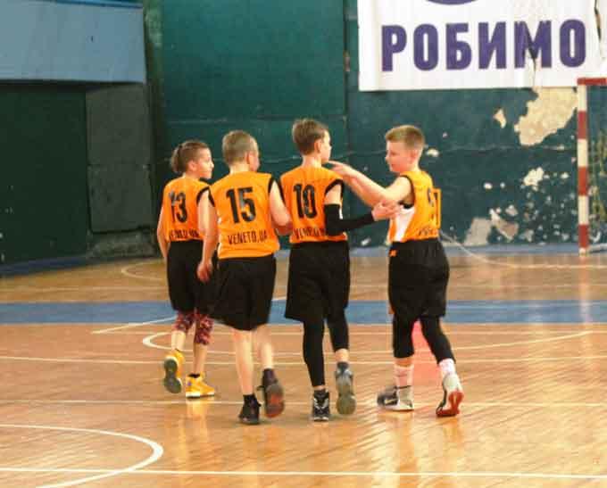 Завтра в Черкасах стартує фінал ВЮБЛ-2006