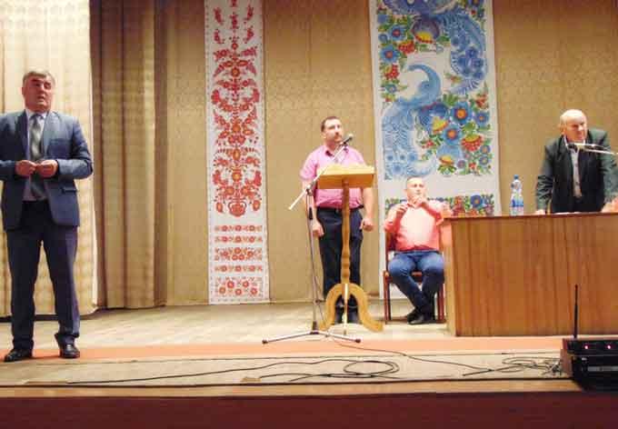 На загальних зборах громади у Моринцях вмовляли околишні села вступати до ОТГ