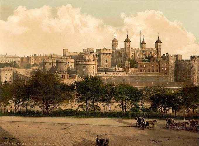 Лондонський Тауер – фортеця, що довгий час слугувала резиденцією англійських монархів. Одночасно – державна тюрма