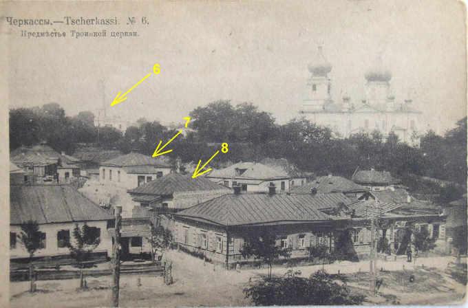 В якості ілюстрації наведу дві старі фотографії Замкового узвозу, зняті з однієї і тієї ж самої точки, але з різницею в 10-15 років