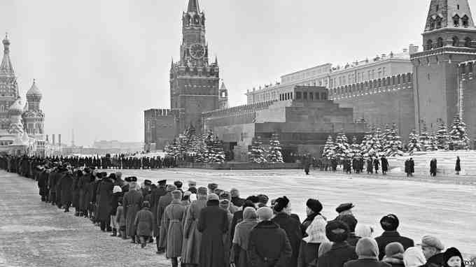 Черга до Мавзолею Леніна, 12 березня 1960 р.